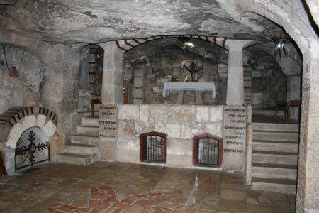 Catholic_Grottos_under_the_Church_of_the_Nativity,_Bethlehem_600
